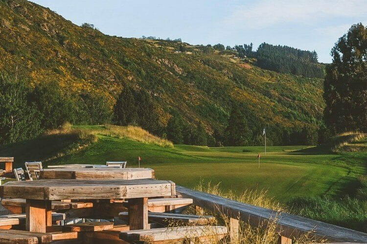 Poutdoor seating at Arrowtown golf clubhouse