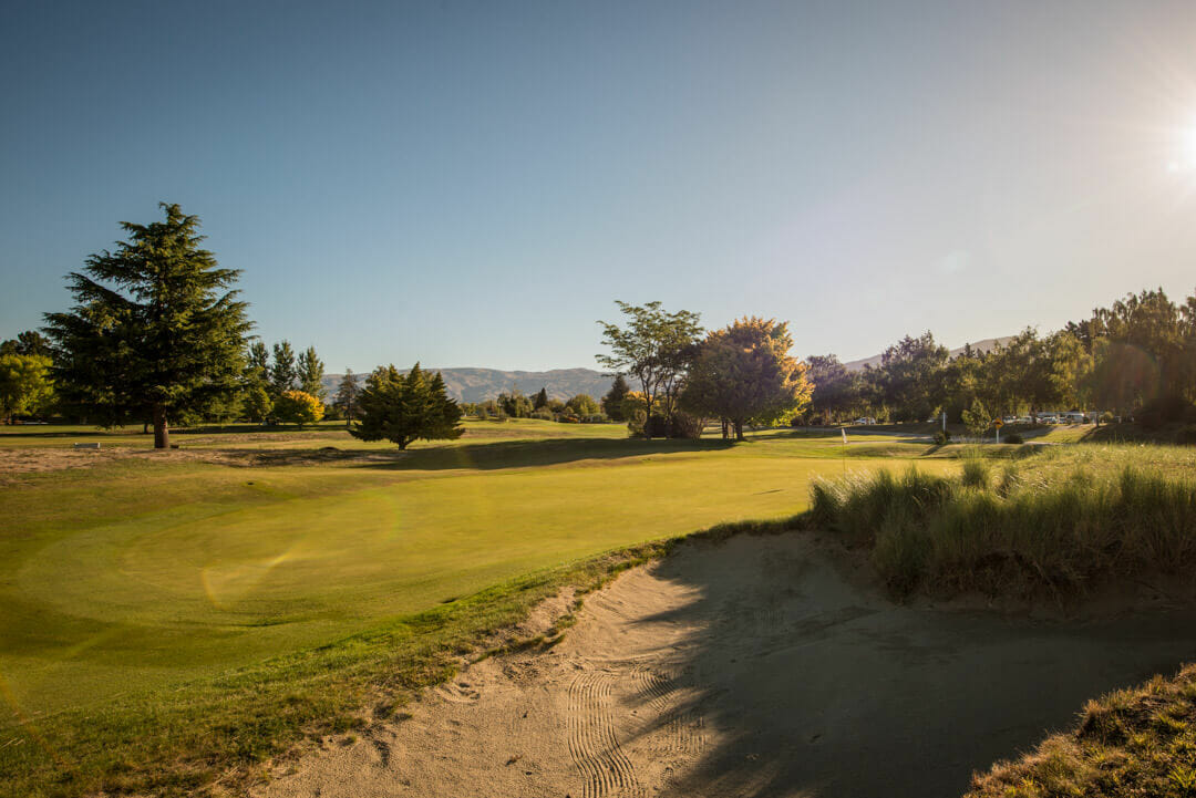 Eighteenth green at Cromwell golf course