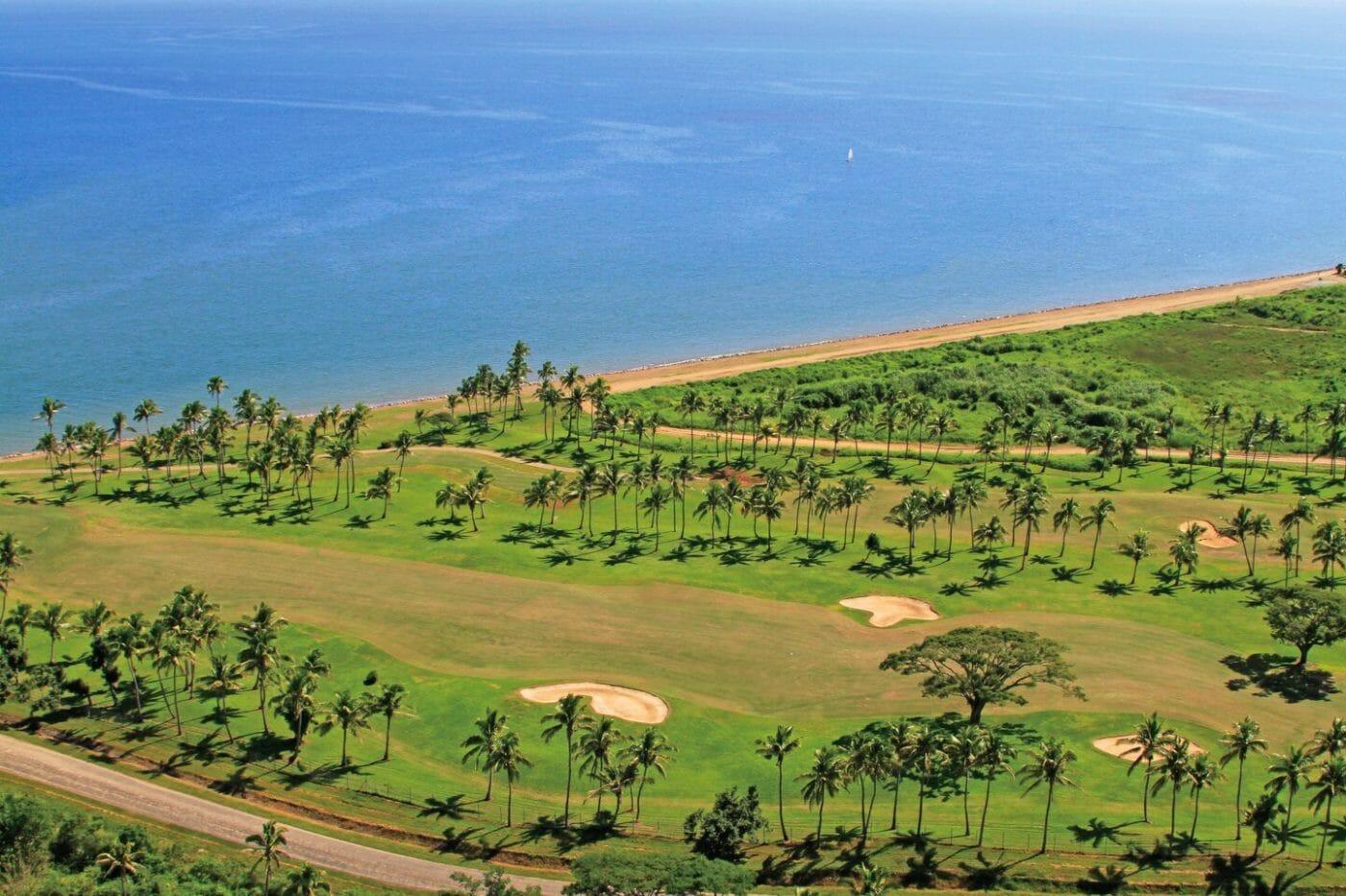 Denarau golf course next to Pacific Ocean
