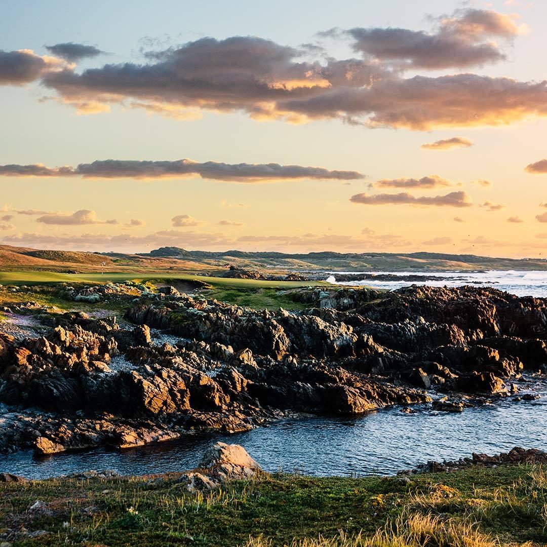 Ocean Dunes fourth golf hole in Tasmania