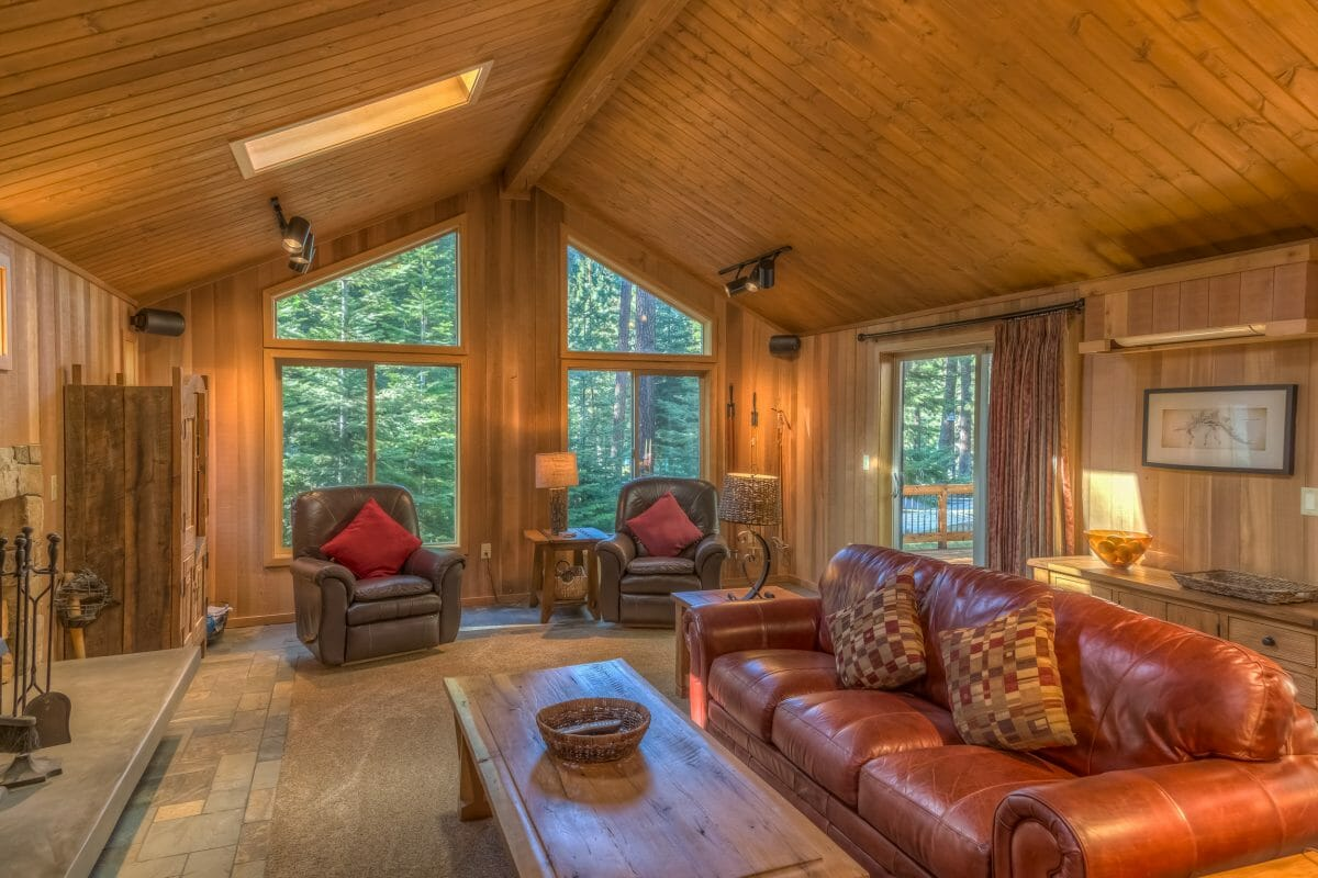 Inside a cabin holiday rental property at Black Butte Ranch, Oregon, USA