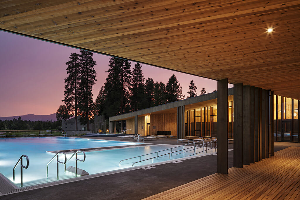 Image of the Lakeside pool as the setting sun goes down, Black Butte Ranch, Oregon, USA