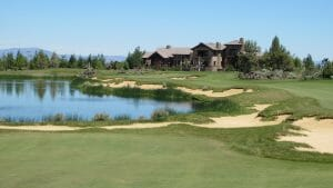 Image of the 18th hole and clubhouse at The Pronghorn Resort