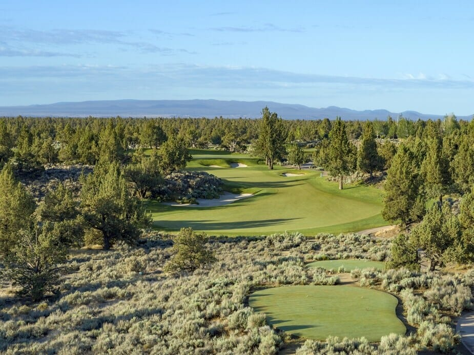 Image of the 12th hole on the Jack Nicklaus designed Signature Course at Pronghorn Resort, Bend, Oregon, USA
