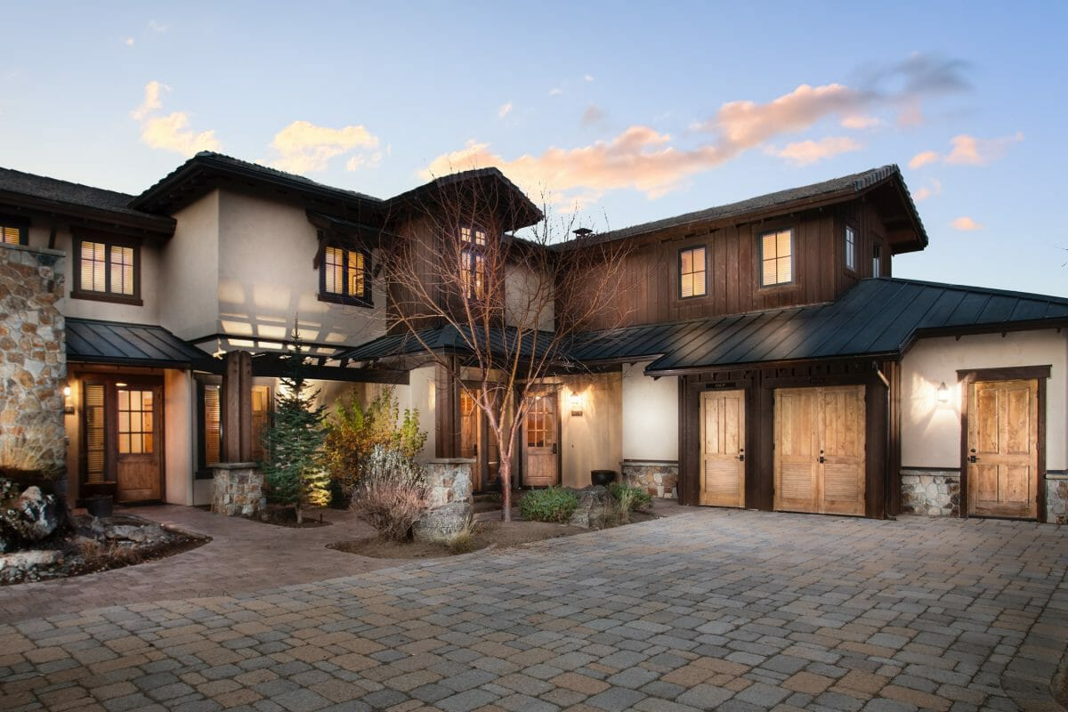 Image of the exterior of a spacious rental home at Pronghorn Golf Resort, Bend, Oregon, USA
