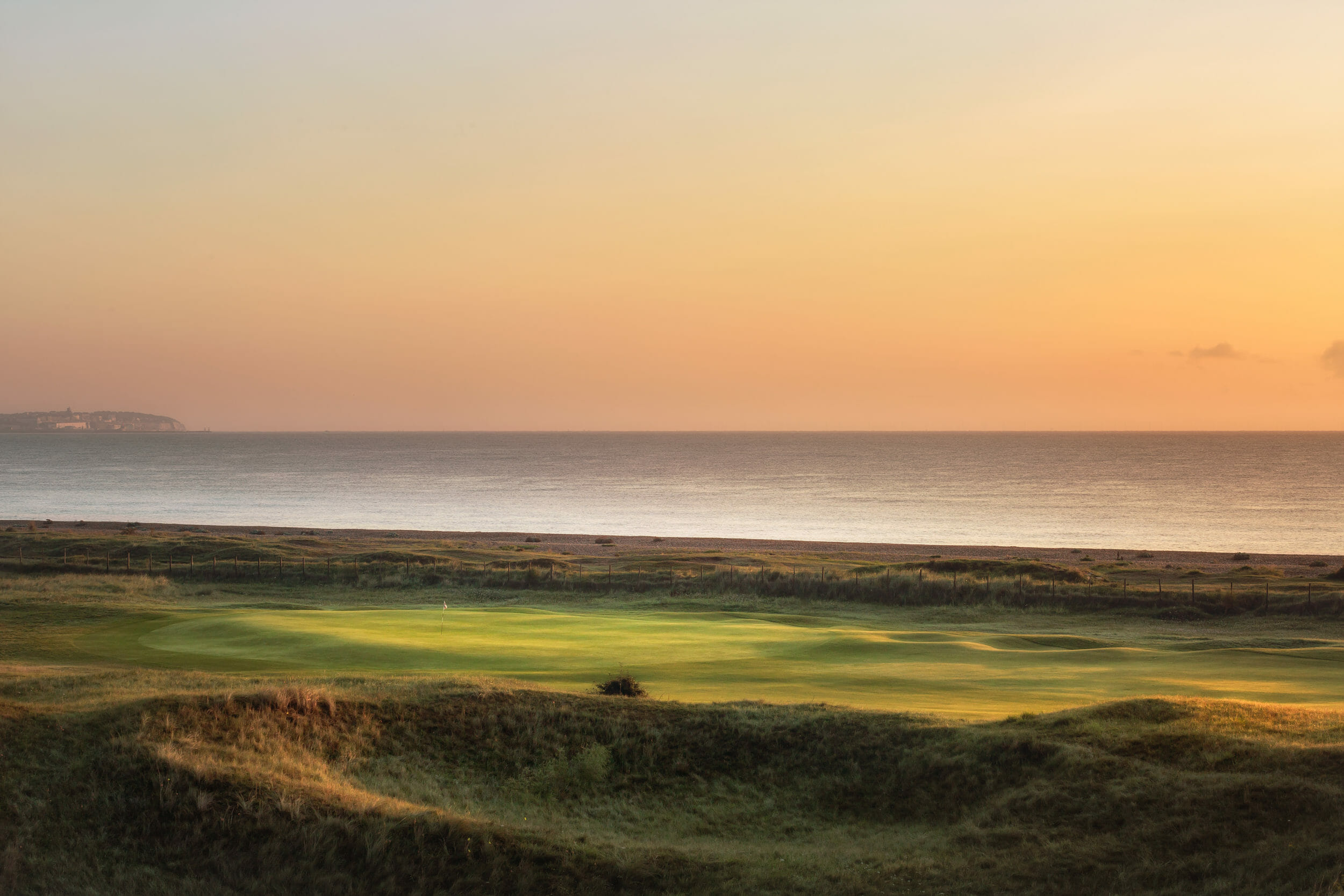 Image of the 5th hole next to the sea at Royal St George's Golf Club
