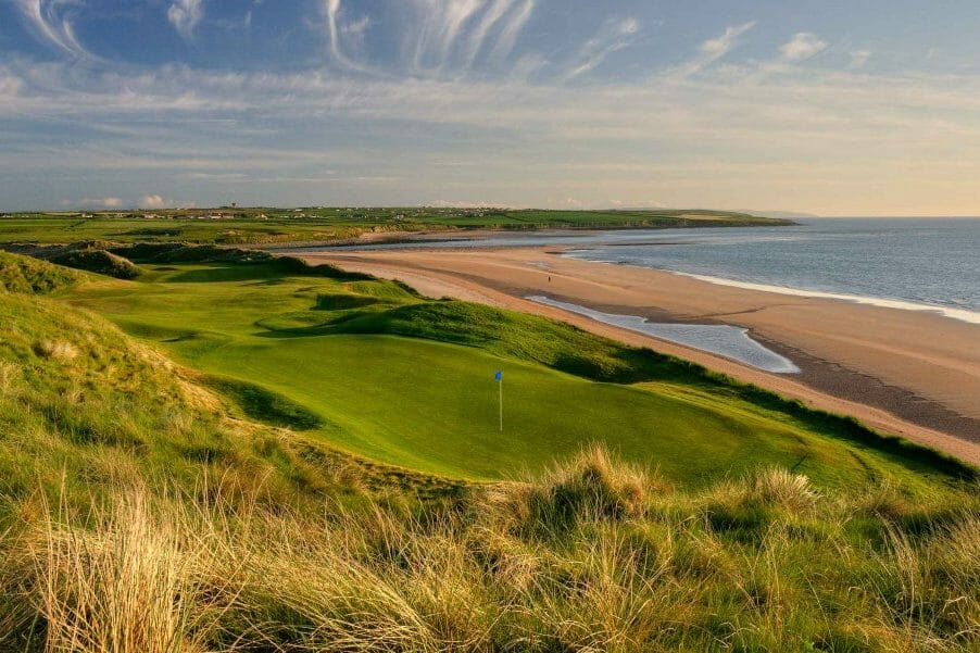 Image depicting the 7th Green facing the beach on the Old Golf Course at Ballybunion, County Kerry, Ireland