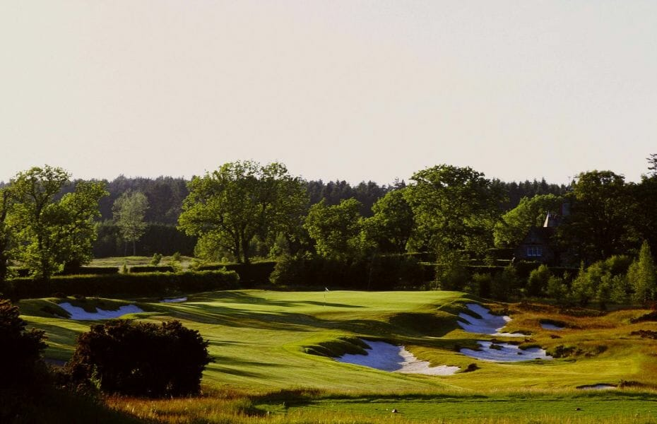 Image of the 16th hole named Melville