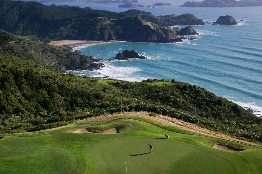 Image of swell crashing under Kauri cliffs Golf Course, New Zealand