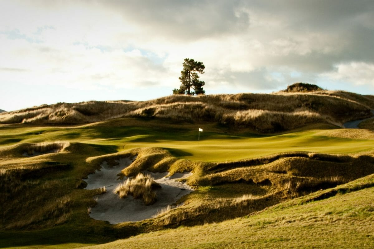 Image depicting a green cut out of a ridge on the Kinloch Club Golf Course