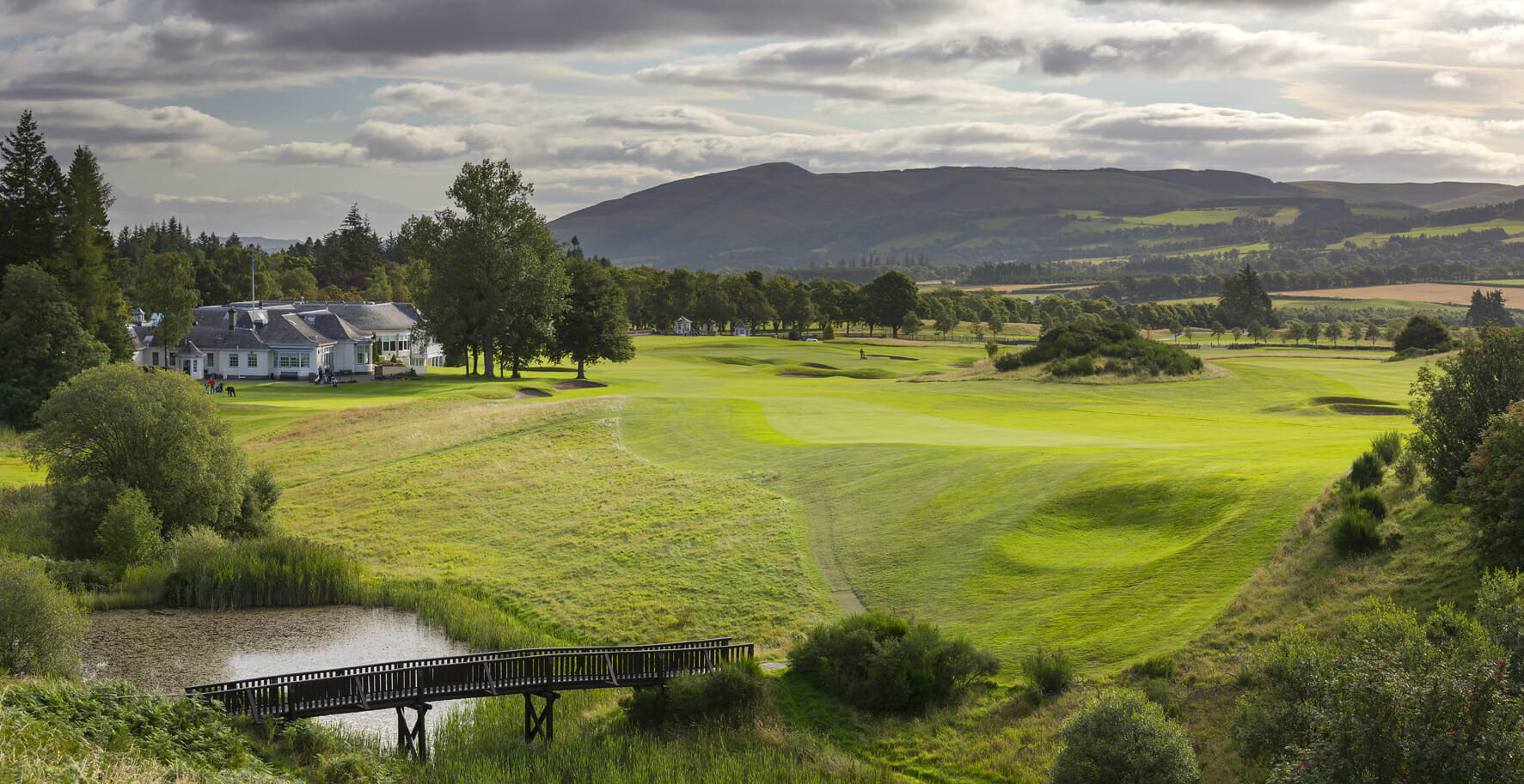 Overlooking the Queens Golf Course and surrounding countryside