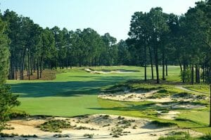 Wasteland bunkers protect 5th fairway